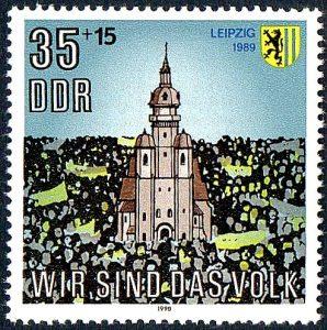 Briefmarke der Deutschen Post der DDR mit der Nikolaikirche (1990)
