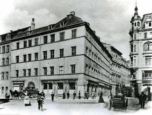 Das Amtshaus am Thomaskirchhof um 1890