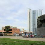 Karl-Marx-Monument, Hotel und Stadthalle Chemnitz