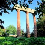 Tempelruine Trianon im Gutspark Eythra