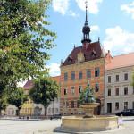Rathaus und Marktbrunnen in Frohburg