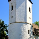 Kirchturm über der Rundkapelle in Knautnaundorf