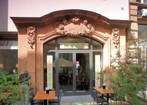 Portal des Hotel de Saxe in Leipzig