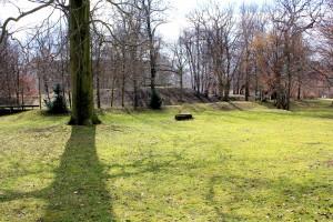 Vom Sattelhof in Leipzig-Leutzsch sind nur noch der Turmhügel, Wall und Graben vorhanden