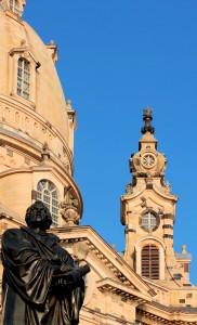Luther vor der Frauenkirche in Dresden