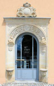 Wohn- und Geschäftshaus Markt 5 Marienberg, Portal
