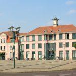 Naunhof, Rathaus und Sparkasse
