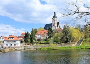 Zwickauer Mulde und Stadtkirche in Penig