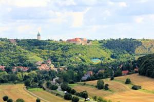 Das Unstruttal mit Schloss Neuenburg