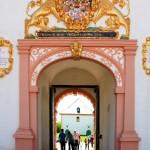 Jagdschloss Augustusburg, Portal