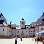 Jagdschloss Augustusburg, Schlosshof
