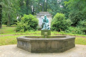 Brunnen auf dem Niederfriedhof Döbeln