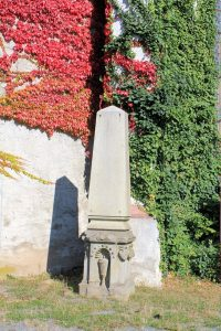 Grabmal an der Marienkirche Eilenburg