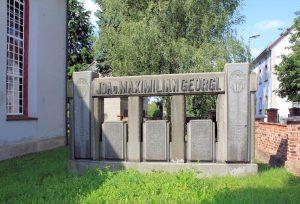 Grabmal Georgi in Flößberg
