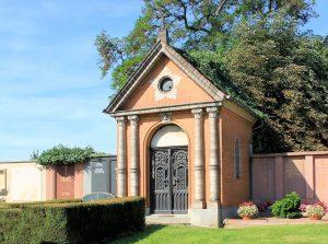 Grufthaus auf dem Friedhof Hohenlohe