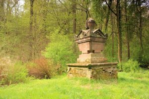 Gedenkstein für ein Mitglied der Familie von Hohenthal Hohenprießnitz