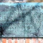Gedenktafel Völkerschlacht an der Kirchhofmauer Holzhausen