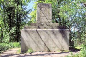 Kolmbergdenkmal bei Holzhausen