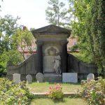 Kitzscher, Grabmal von Arnim