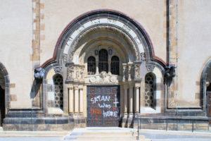 Portal der Taborkirche in Kleinzschocher