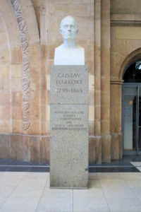 Denkmal für Gustav Harkort im Hauptbahnhof Leipzig