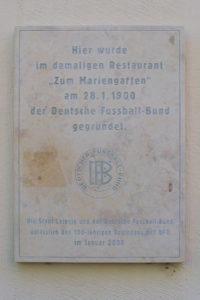 Gedenktafel für die Gründung des Deutschen Fußball-Bundes (DFB) in Leipzig