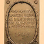 Zentrum, Gedenktafel Luther-Predigt