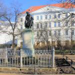 Zentrum, Hahnemann-Denkmal