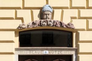 """Hauszeichen """"Blaue Mütze"""" in Leipzig"""