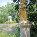 Statue der Flora im Schlosspark Lützschena