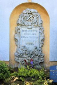 Grabmal der Familien Stuckner / Dr. Huhn Pegau