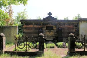 Grabmal der Familie Brehmer auf dem Friedhof in Plagwitz