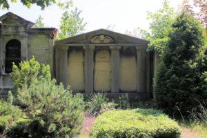 Grabmal der Familie Engelhard Rothfuchs auf dem Friedhof in Plagwitz