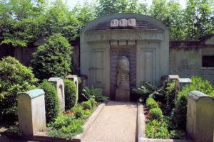 Grabmal der Familie Finzel auf dem Friedhof in Plagwitz
