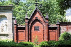 Grabmal der Familie Foerstendorf auf dem Friedhof in Plagwitz