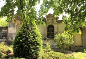 Grabmal der Familie Leipnitz und Paul Hübner auf dem Friedhof in Plagwitz