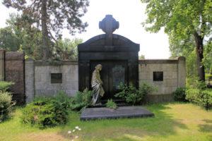 Grabmal Pfabe Mühl Riedel auf dem Friedhof in Plagwitz