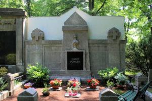 Grabmal der Familie Pohler auf dem Friedhof in Plagwitz