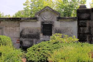Grabmal der Familie A. Rothfuchs auf dem Friedhof in Plagwitz