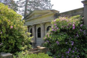 Grabmal der Familie Emil Schirm auf dem Friedhof in Plagwitz