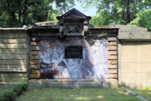 Grabmal der Familie Emil Stephan auf dem Friedhof in Plagwitz