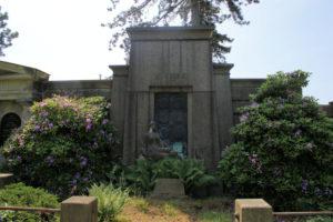 Grabmal der Familie Emil Törpsch auf dem Friedhof in Plagwitz