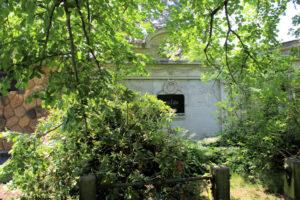 Grabmal von Zahn auf dem Friedhof in Plagwitz