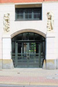 Portal des Seemann-Karrees in Reudnitz-Thonberg