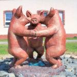 Sausedlitz, Drei tanzende Schweine