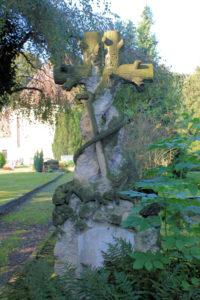 Grabmal auf dem Friedhof Schkeitbar