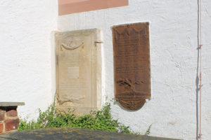 Grabmal für Maria Amalia verw. von Kracht geb. von Stammen und Grabmal für Hennig Adolph Ludwig von Stammen in Sitten