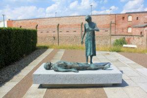 """Denkmal """"Nie wieder Krieg"""" am Fort Zinna Torgau"""