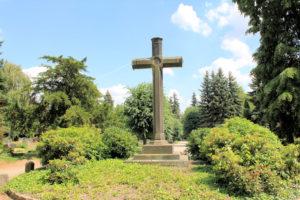 Hohes Kreuz auf dem Friedhof Torgau