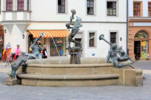 """Marktbrunnen """"Narren und Musikanten"""" Torgau"""